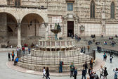 Famous fountains in the square in the center of Perugia, Italy — Stockfoto