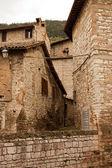Alley in the historic center of Gubbio — Zdjęcie stockowe