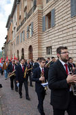 Band plays in the historical center of Gubbio — Stock Photo