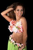 熱帯の衣装で美しいダンサー. — ストック写真