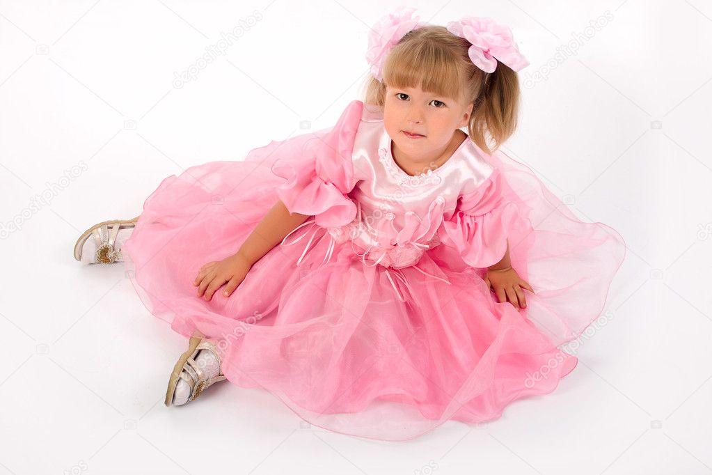 粉红色裙子的小女孩 kazlouskaya  可爱的小女孩在粉红色的裙子 koby