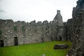 Old castle stone ruins — Stockfoto
