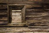 Ventana de logia de madera dañado — Foto de Stock