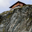 Mountain-top chalet — Stock Photo
