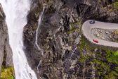 Trollstigen pass waterval — Stockfoto