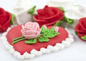 Torte mit Rosen — Stockfoto