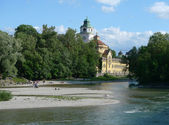 Waterside of the river Isar in Munich — Stockfoto