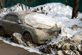 Winter in Moscow. The car in the snow — Stock Photo