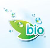 Bio icono con una hoja verde y gotas de agua. ilustración vectorial. — Vector de stock