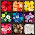 sortiment tlačítek uspořádaných podle barvy — Stock fotografie #8887434