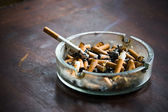 End fag , butt cigarette , ashtray — Stock Photo