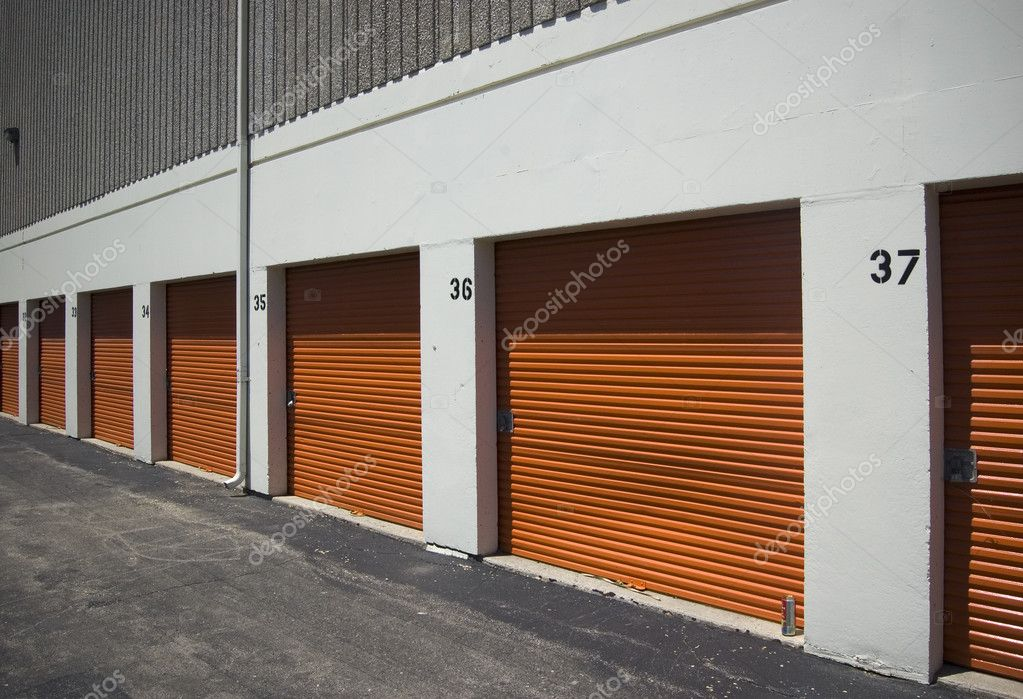 Self storage / real estate — Stock Photo #8708633