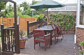Backyard patio in garden — Foto de Stock