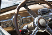 Inside look at an old car — Stockfoto