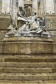 Sculpture of men with woman over step, Lyon, France — Stock Photo