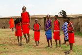 Um grupo de quenianos da tribo masai — Foto Stock