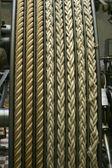 Cuerdas en una vieja máquina de vapor — Foto de Stock