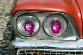 Old Cuban car with Che lights — Stock Photo