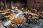 Veel van de stoelen in een café — Stockfoto