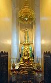 Buda dentro de oro monte wat — Foto de Stock