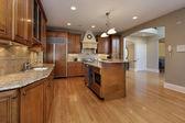 Keuken in gerenoveerd huis — Stockfoto