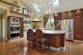Luxury kitchen with redwood cabinetry — Stock Photo