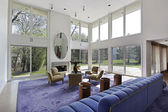 Family room with two story windows — Foto de Stock
