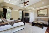 Tepsi tavan ile yatak odası — Stok fotoğraf