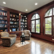 Library in luxury home — 图库照片