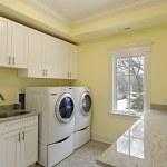 Laundry room in luxury home — Stock Photo #8689201