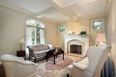 Sala de estar com lareira — Fotografia Stock