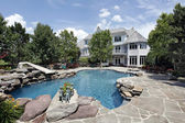 Luxury home with swimming pool — Stock Photo