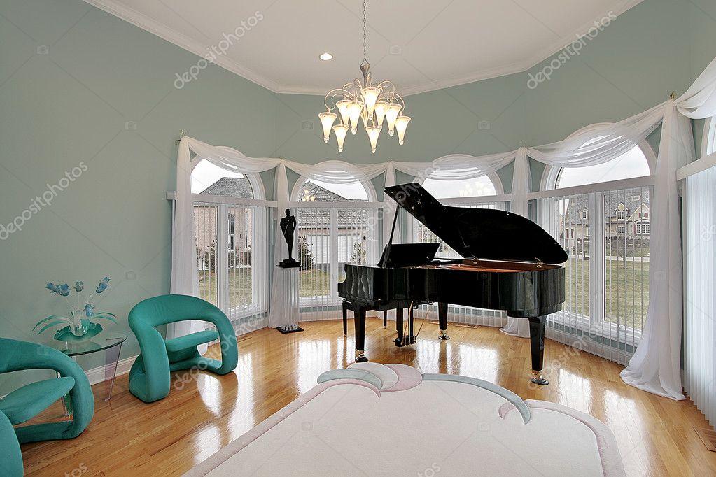 salle de musique avec des chaises vertes photographie lmphot 8682823. Black Bedroom Furniture Sets. Home Design Ideas