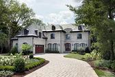 Casa con entrada circular de lujo — Foto de Stock