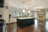 Kitchen and family room — Stockfoto