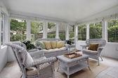 Porche avec meubles en osier — Photo