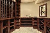 Cave à vin dans la maison de luxe — Photo
