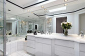 Master bath with white cabinetry — Stock Photo