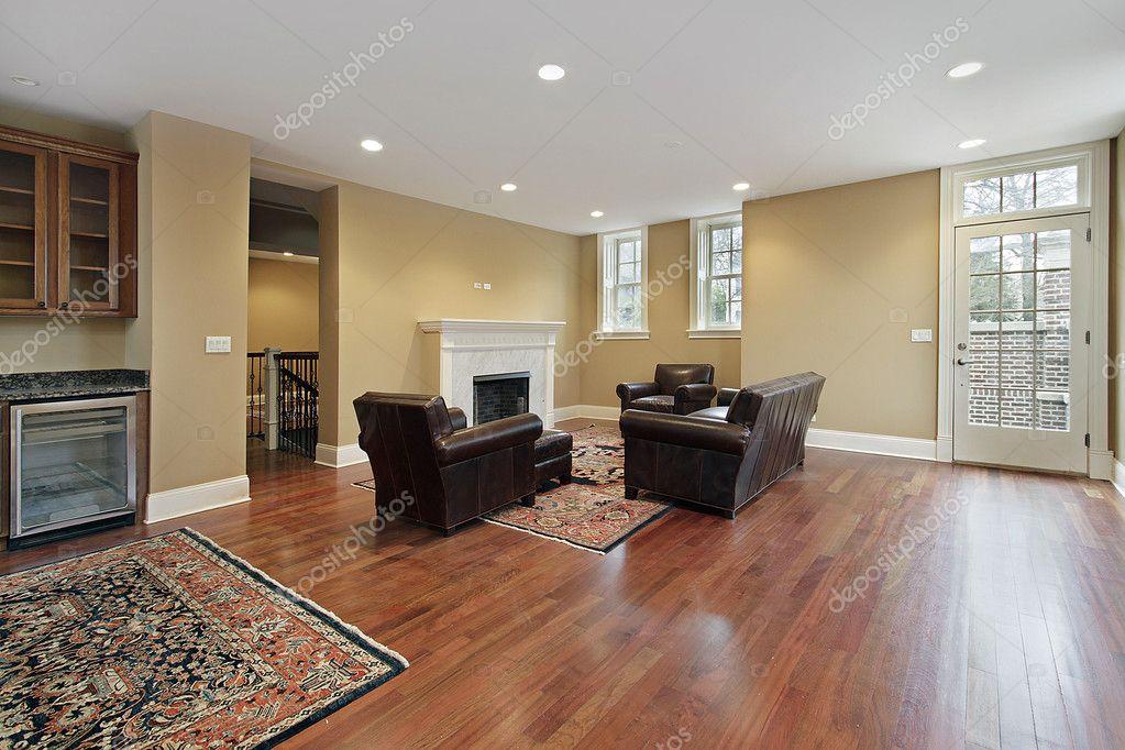 Hall de entrada con pisos de madera de cerezo foto de for Entradas de pisos