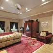 Master bedroom in luxury home - Foto Stock