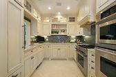 Square modern kitchen — Stock Photo