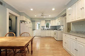 Large white kitchen — Stock fotografie