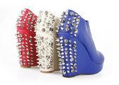 Spiked heels — Stock Photo