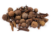 Allspice and cloves — Stock Photo