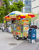 NYC hot dog stand — Stock Photo