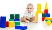 Criança brincando com blocos de construção — Foto Stock