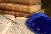 старые еврейские книги — Стоковое фото