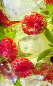 Ice cocktail with fruit — Stock Photo