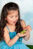 χρυσή κορώνα βάτραχος πρίγκιπας — Stock fotografie
