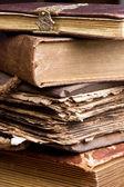 Antieke stapel boeken — Stockfoto